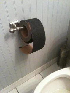 chuck norris cleans his own shit with this toilet paper Chuck Norris, Best Funny Pictures, Funny Images, Funny Pics, Humor Satirico, Funny Pregnancy Shirts, Good Pranks, Toilet Paper, Funny Jokes