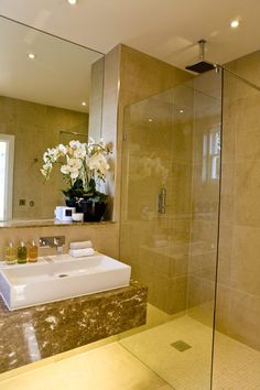 Refined Modern Bathroom Interiors by Blanca Sanchez - http://freshome.com/2012/01/22/refined-modern-bathroom-interiors-by-blanca-sanchez/