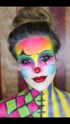 Nicole guerriero on YouTube!!! Love her!!! GO check out all of her videos!!!! She is amazing!!! 😊 Clown Makeup, Costume Makeup, Halloween Face Makeup, Adult Face Painting, Body Painting, Ideas Maquillaje Carnaval, Clown Face Paint, Animal Halloween Costumes, Female Clown