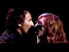 Bruce Springsteen and the E Street Band Magic Tour 2007 - Brilliant Disguise - Bruce and Patti singing together - terrific....