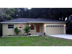 3411 W North A St, Tampa, FL 33609  Beautiful 3/2/2 Home w/ Fabulous Kitchen & a Master Suite w/ Walk-in Closet!
