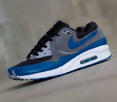 finest selection 5f5de c16aa Nike WMNS Air Max Light – Black   Green Abyss – Cool Grey – Wolf Grey