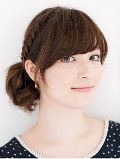 「いつもと違う印象に♡セミロングのお洒落なヘアアレンジ」のまとめ枚目の画像|MERY [メリー]