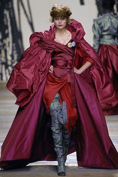 Vivienne Westwood | Fall 2006 Ready-to-Wear Collection | Style.com