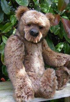 Garvan Grizzly by By Kelly Dean | Bear Pile