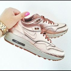 new concept 3e4b7 e29a4 Rose gold Air Max 90 Brand new rose gold air max 90s. Super gorgeous shoes
