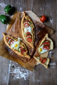 Somer Sivrioglu's Cheese and Egg Pide ° eat in my kitchen Mexican Bolillo Recipe, Quiches, Real Food Recipes, Yummy Food, Healthy Food, Turkish Pizza, Egg Pizza, Breakfast Pizza, Breakfast Sandwiches