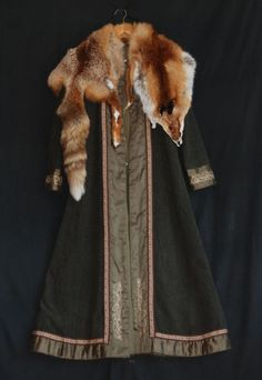 Green Viking lady coat with embroidery, silk and fox skin. - Othala Craft