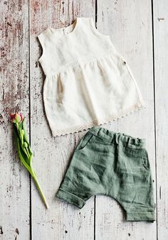 Baby and toddler clothes Handmade Linen Baby Blouse & Pants Baby Girl Pants, Toddler Pants, Baby Girl Dresses, Toddler Dress, Infant Dresses, Baby Jeans, Little Girl Fashion, Baby Girl Fashion, Toddler Fashion