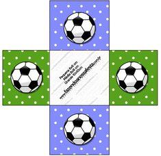 http://fazendoanossafesta.com.br/2014/01/futebol-bola-de-futebol-kit-completo-com-molduras-para-convites-rotulos-para-guloseimas-lembrancinhas-e-imagens.html/