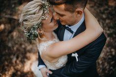 Just love!  #wedding #hairstyle #flowers #bride #groom #weddingphoto