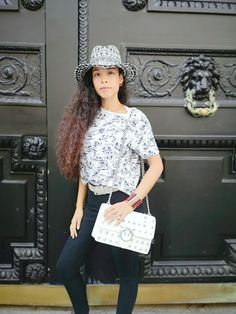 As a personal shopper, we recommend an original printed hat in order to bring a touch of authenticity to your style ! Paris Design, Love Hat, Latest Outfits, Personal Shopping, International Fashion, Authenticity, Parisian, High Fashion, Your Style