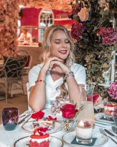 Karina KUCKOO 🕊 (@karina_kuckoo) • Instagram photos and videos Delicious Restaurant, Dubai, Beautiful Places, Table Settings, Table Decorations, Videos, Photos, Instagram, Home Decor