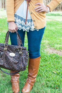 Love the mustard, lace, and leopard