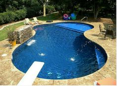 Swimming pool builders can help you from beginning to finish during the building procedure. It's a fact that inground pools can be immensely costly and are normally in the backyard of a big a pricey residence. It's exciting to have your own pool. Small Inground Pool, Small Swimming Pools, Small Backyard Pools, Swimming Pools Backyard, Swimming Pool Designs, Outdoor Pool, Small Backyards, Small Pools, Vinyl Pools Inground