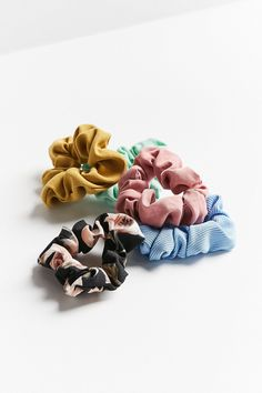 Shop Days Of The Week Scrunchie Set at Urban Outfitters today. We carry all the latest styles, colors and brands for you to choose from right here.