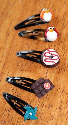 Barettes en fimo pour bébés >> pingouins, donut, chocolat, girouette