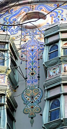 Barcelona - Còrsega 316 06 by Arnim Schulz, Art and Architecture working together imagine seeing this everyday when you arrive home. Barcelona Architecture, Art Nouveau Architecture, Beautiful Architecture, Beautiful Buildings, Art And Architecture, Architecture Details, Belle Epoque, Art Deco, Barcelona Catalonia