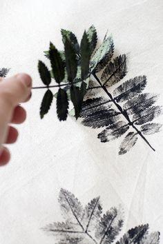 DIY: Cojines estampados con hojas                                                                                                                                                                                 Más