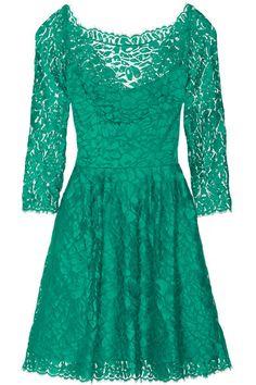 Emerald Lace Issa Dress Short Fitted Dress 45ddfbff4