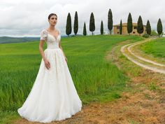 The FashionBrides is the largest online directory dedicated to bridal designers and wedding gowns. Find the gown you always dreamed for a fairy tale wedding. Cruise Wedding, Yes To The Dress, Perfect Wedding Dress, Spring 2016, Formal Dresses, Wedding Dresses, Bride Groom, Bridal Gowns, Wedding Inspiration