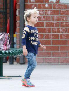 little boys in skinny jeans. some may disagree but i say. Little Boy Fashion, Toddler Fashion, Kids Fashion, Celebrity Kids, Boy Hairstyles, Stylish Kids, Kid Styles, Kids Wear, Look Fashion