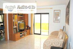 Apartamento T1 para venda no centro de Portimão perto de todos os serviços , moderno, todo equipado e mobilado, com grandes áreas, grandes varandas, 1º andar com elevador. O apartamento é co...
