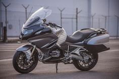 RSD X Anthony Kiedis BMW R1200RT - Blog - Motorcycle Parts and Riding Gear - Roland Sands Design - RSD Bmw R1200rt, Roland Sands, Anthony Kiedis, Riding Gear, Motorcycle Parts, Cars And Motorcycles, Motorbikes, Honda, Racing