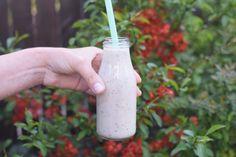 Koktajle na śniadanie - 5 przepisów - Niunioki by Katarzyna Anc-Szczepłek Smoothies, Glass Of Milk, Smoothie, Smoothie Packs, Fruit Shakes