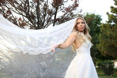 Beautiful long tulle bridal veil