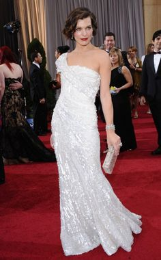 Milla Jovovich at the Oscars Oscar Dresses, Glam Dresses, Wedding Dresses, Size 0 Models, Beautiful People, Beautiful Ladies, Milla Jovovich, Celebrity Moms, Gorgeous Eyes