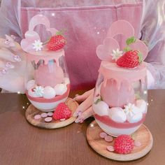 Cute Bakery, Kawaii Dessert, Cupcake Shops, Pink Foods, Cake Delivery, Fancy Desserts, Dessert Cups, Food Drawing, Unique Recipes