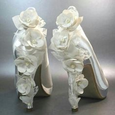 www.weddbook.com everything about wedding ♥ Gorgeous wedding shoes  #weddbook #wedding #fashion #shoes #bride