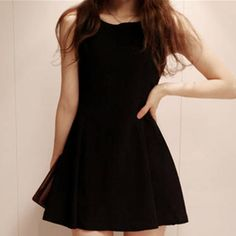 Womens Black Solid Color Sleeveless Dresses