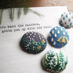 boutonnons sous la pluie...