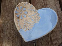 Schale aus Keramik - Herz/hellblau von KeramikSchneider auf DaWanda.com