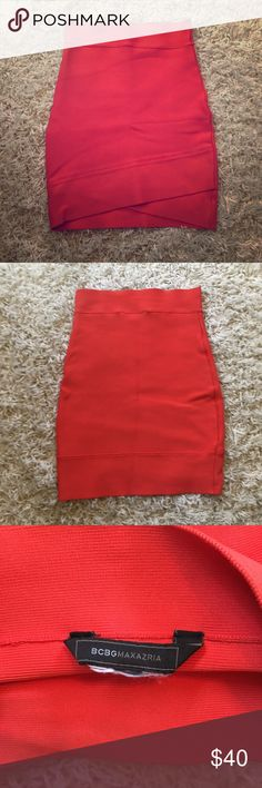 BCBG Max Azria bodycon skirt BCBG Max Azria Bodycon stretch skirt size XS. Skirt is a coral color. A few wrinkles in the photo, my apologies! BCBG Skirts Pencil