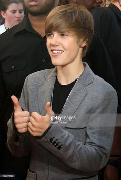 Singer Justin Bieber arrives at the Annual MuchMusic Video Awards on June 2010 in Toronto, Canada. Justin Bieber Posters, Justin Bieber Images, Justin Bieber Wallpaper, I Love Justin Bieber, Baby Songs Lyrics, Justin Smith, Estilo Selena Gomez, Chris Pine, Celebs