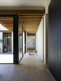 Hampton house 2 by Kennedy Nolan architects