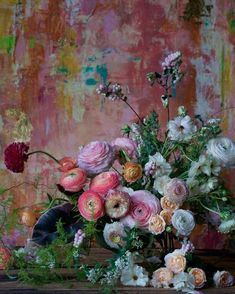Beautiful blooms towards a stunning painterly backdrop. (Backdrop from My Flower, Flower Art, Beautiful Flowers, Beautiful Flower Arrangements, Floral Arrangements, Arte Floral, Jolie Photo, Ikebana, Planting Flowers