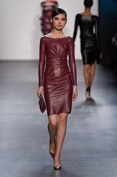 Chiara Boni La Petit Robe at New York Fashion Week Fall 2016 - Runway Photos 2316c5927af