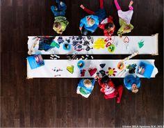 în 1999, IKEA Group donează fonduri către UNICEF şi Salvaţi Copiii pentru sprijinirea proiectelor de reconstruire a şcolilor, de aprovizionare cu materiale educaţionale şi de oferire de traininguri speciale profesorilor din Kosovo.