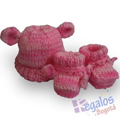 Conjunto tejido para bebé No.8 Gorro y patines para bebe tejidos en dos  agujas
