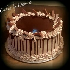 Cake Decorating: How About Birthday Cakes For Adults Chocolate Cake Designs, Chocolate Drip Cake, Cake Decorating Piping, Birthday Cake Decorating, Mini Cakes, Cupcake Cakes, Just Cakes, Cake Icing, Pastry Cake