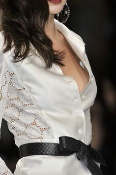 Love the lace panels, not too revealing - Mariella Burani Spring 2010 - Details