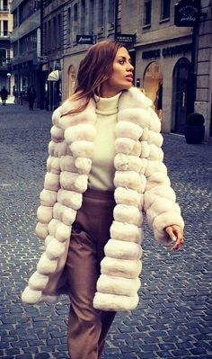 Beige Chinchilla Fur Coat