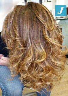 Inimitabili sfumature color miele. #cdj #degradejoelle #tagliopuntearia #degradé #igers #musthave #hair #hairstyle #haircolour #haircut #longhair #ootd #hairfashion