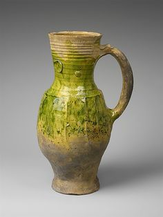 Pichet à balustre - XIIIème siècle - France Medium: Earthenware, partially covered with a green lead glaze