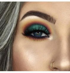 Vegan False Lashes – Lash & Crown Beauty - Maquiagem e beleza - Makeup Eye Makeup Glitter, Eyeshadow Makeup, Makeup Brushes, Eyeliner, Prom Makeup, Masquerade Makeup, Eyeshadows, Cosmetic Brushes, Contour Makeup