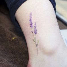 Detailed flower tattoo from Tumblr